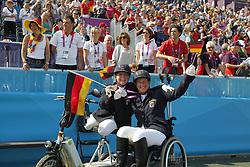 Näpel, Britta;<br /> Trabert, Angelika, <br /> London Paralympics 2012<br /> Grade II Freestyle<br /> © www.sportfotos-lafrentz.de/ Stefan Lafrentz
