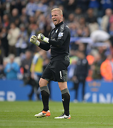 Kasper Schmeichel of Leicester City celebrates at full time. - Mandatory by-line: Alex James/JMP - 03/04/2016 - FOOTBALL - King Power Stadium - Leicester, England - Leicester City v Southampton - Barclays Premier League