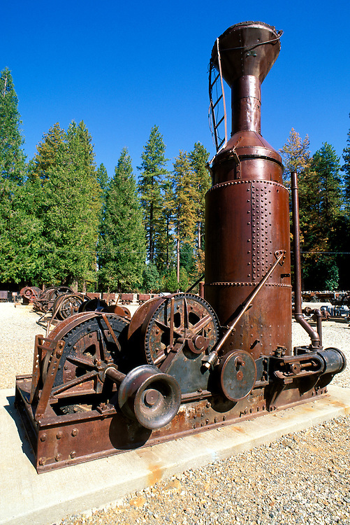 Steam powered hoist at Empire Mine State Historic Park, (oldest and richest hard rock mine in CA), Grass Valley, Gold Country  (Highway 49), California .
