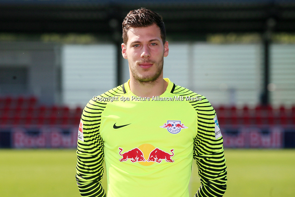 HANDOUT - 1. DFL, 1. Deutsche Bundesliga, RasenBallsport Leipzig, team photo shooting. Image shows Mueller Marius (RB Leipzig). Photo: GEPA pictures/ Roger Petzsche - For editorial use only. Image is free of charge. |