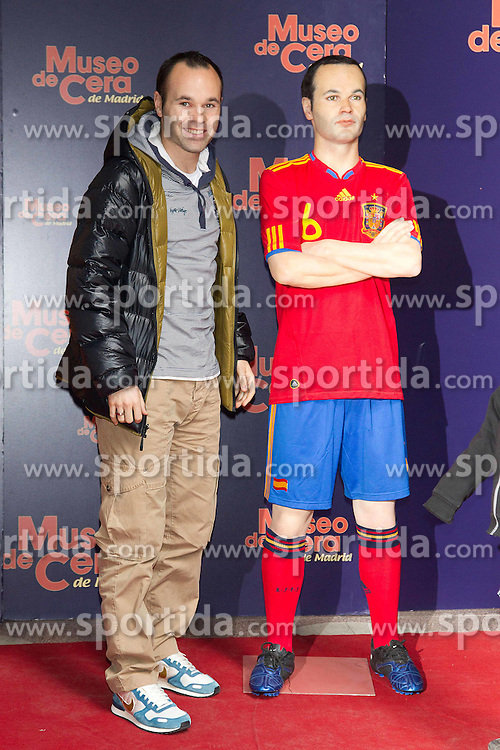 22.03.2011, Museo de Cera, Madrid, ESP, Iniesta and Villa, Waxworks, im Bild Andres Iniesta und David Villa präsentieren ihre Wachsfigruren im Museo de Cera in Madrid // Andres Iniesta and David Villa  present their replica waxworks in Madrid, EXPA Pictures © 2011, PhotoCredit: EXPA/ Alterphotos/ ALFAQUI/ MIGUEL CORDOBA