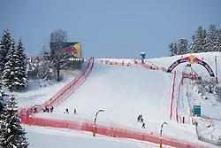 17.01.2017, Hahnenkamm, Kitzbühel, AUT, FIS Weltcup Ski Alpin, Kitzbuehel, Abfahrt, Herren, Streckenbesichtigung, im Bild Arbeiten an der Hausbergkante // Work on the Slope during the course inspection for the men's downhill of FIS Ski Alpine World Cup at the Hahnenkamm in Kitzbühel, Austria on 2017/01/17. EXPA Pictures © 2017, PhotoCredit: EXPA/ Johann Groder