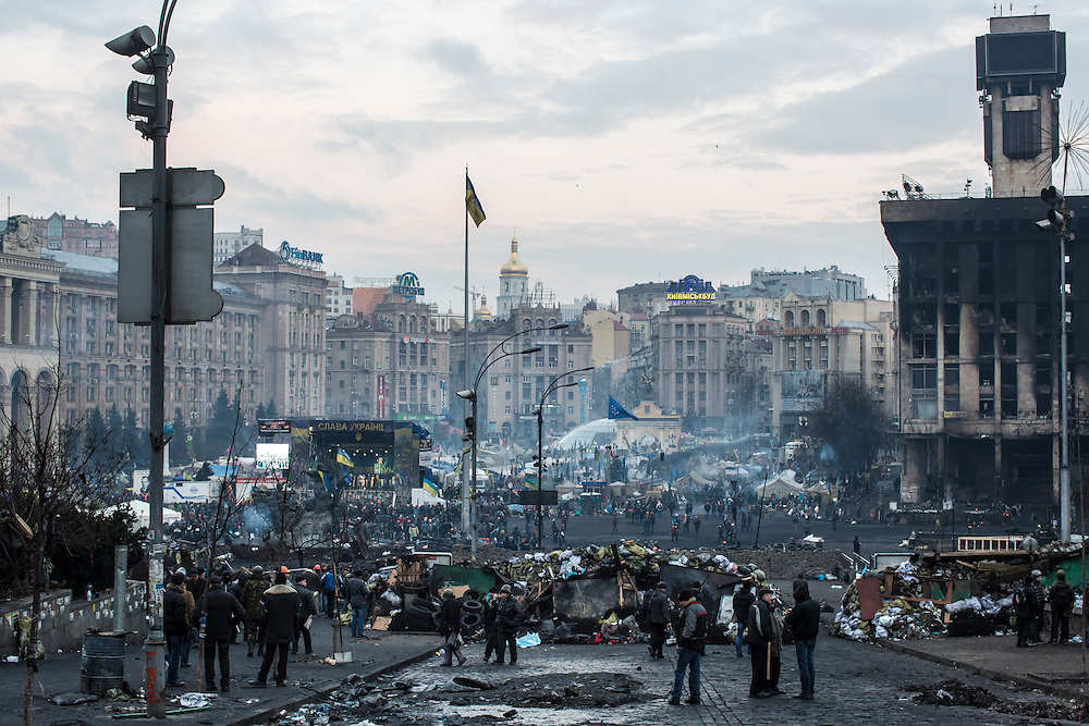 KIEV, UKRAINE - FEBRUARY 21: Anti-government protesters on Independence Square on February 21, 2014 in Kiev, Ukraine. After a week that saw new levels of violence, with dozens killed, opposition and government representatives reached an agreement intended to resolve the crisis. (Photo by Brendan Hoffman/Getty Images) *** Local Caption ***