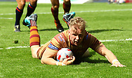 Aaron Murphy of Huddersfield Giants  scores the try against Wakefield Trinity during the Betfred Super League match at the Dacia Magic Weekend, St. James's Park, Newcastle<br /> Picture by Stephen Gaunt/Focus Images Ltd +447904 833202<br /> 20/05/2018