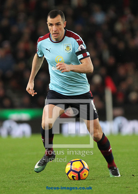 Dean Marney of Burnley in action against Stoke City during the Premier League match at the Bet 365 Stadium, Stoke-on-Trent.<br /> Picture by Michael Sedgwick/Focus Images Ltd +44 7900 363072<br /> 03/12/2016