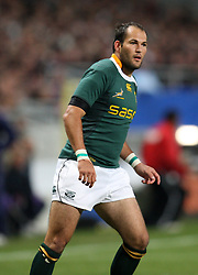 Fourie Du Preez in action the international match between France and South Africa at Stade Municipal on November 13, 2009 in Toulouse, France.