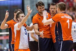 05-06-2016 NED: Nederland - Duitsland, Doetinchem<br /> Nederland speelt de laatste oefenwedstrijd ook in  Doetinchem en speelt gelijk 2-2 in een redelijk duel van beide kanten / Jeroen Rauwerdink #10, Thomas Koelewijn #15, Dirk Sparidans #5