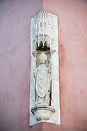 1/11/16 - PLAINE DE BOULADE - PUY DE DOME - FRANCE - Copie moderne de Saint Austremoine sur l Hotel Clement. Place de la Republique - Photo Jerome CHABANNE