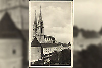 Zagreb : Nadbiskupska rezidencija Katedrala s juga. <br /> <br /> ImpresumZagreb : Foto i Naklada S. M., [1929].<br /> Materijalni opis1 razglednica : tisak ; 14 x 9,2 cm.<br /> Mjesto izdavanjaZagreb<br /> Vrstavizualna građa • razglednice<br /> ZbirkaGrafička zbirka NSK • Zbirka razglednica<br /> Formatimage/jpeg<br /> PredmetZagreb –– Kaptol<br /> Katedrala Uznesenja Marijina (Zagreb)<br /> SignaturaRZG-KAP-51<br /> Obuhvat(vremenski)20. stoljeće<br /> NapomenaRazglednica je putovala 1929. godine.<br /> PravaJavno dobro<br /> Identifikatori000955546<br /> NBN.HRNBN: urn:nbn:hr:238:399310 <br /> <br /> Izvor: Digitalne zbirke Nacionalne i sveučilišne knjižnice u Zagrebu