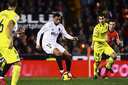 January 26, 2019 - Valencia, Spain - Francis Coquelin of Valencia CF (C) during  spanish La Liga match between Valencia CF vs Villarreal CF at Mestalla Stadium on Jaunary  26, 2019. (Credit Image: © Jose Miguel Fernandez/NurPhoto via ZUMA Press)