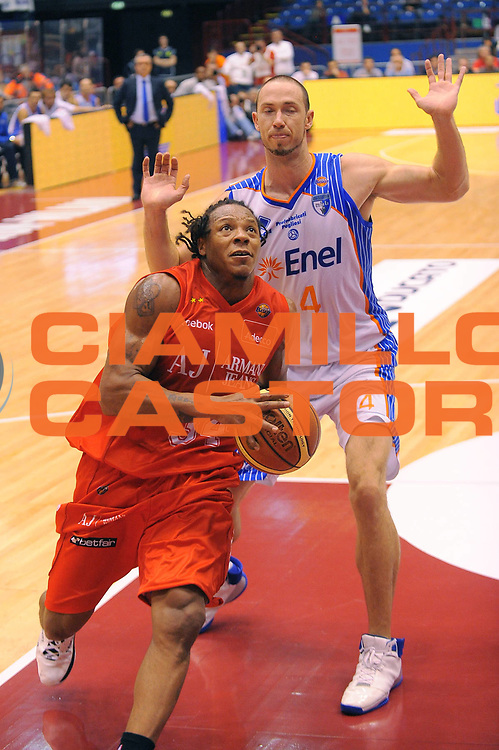 DESCRIZIONE : Milano Lega A 2010-11 Armani Jeans Milano Enel Brindisi<br /> GIOCATORE : David Hawkins<br /> SQUADRA : Armani Jeans Milano<br /> EVENTO : Campionato Lega A 2010-2011<br /> GARA : Armani Jeans Milano Enel Brindisi<br /> DATA : 07/11/2010<br /> CATEGORIA : Penetrazione<br /> SPORT : Pallacanestro<br /> AUTORE : Agenzia Ciamillo-Castoria/A.Dealberto<br /> Galleria : Lega Basket A 2010-2011<br /> Fotonotizia : Milano Lega A 2010-11 Armani Jeans Milano Enel Brindisi<br /> Predefinita :