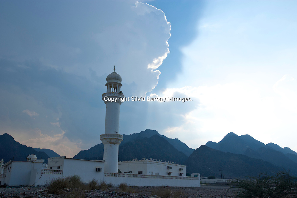 A mosque nested in the Hatta mountains Dubai, UAE, October 10, 2007. Photo by Silvia Baron / i-Images.