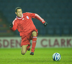 LEICESTER, ENGLAND - Tuesday, January 12, 2010: Liverpool's Thomas Ince in action against Leicester City during the FA Youth Cup 4th Round match at the Walkers Stadium. (Photo by David Rawcliffe/Propaganda)