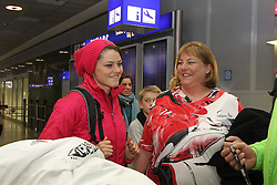 14.02.2014, Fraport, Fankfurt, GER, Sochi, 2014, Ankunft, im Bild Olympiasiegerin Carina Vogt begruesst Mutter Iris Vogt, // during the Arrival of Olympic Skijumping Champion Carina Vogt at the Fraport in Fankfurt, Germany on 2014/02/14. EXPA Pictures © 2014, PhotoCredit: EXPA/ Eibner-Pressefoto/ RRZ<br /> <br /> *****ATTENTION - OUT of GER*****