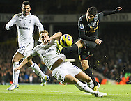 Picture by David Horn/Focus Images Ltd +44 7545 970036.28/11/2012.Sandro and Michael Dawson of Tottenham Hotspur and Luis Suarez of Liverpool during the Barclays Premier League match at White Hart Lane, London.