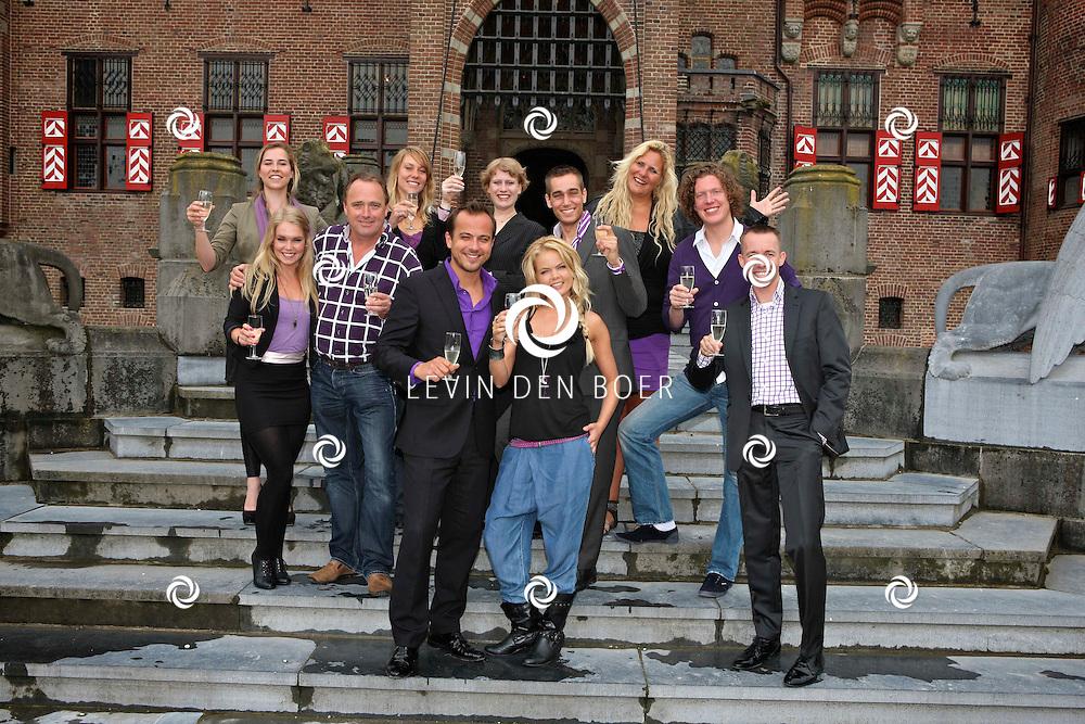 HAARZUILENS - Op het kasteel de Haar in Haarzuilens is de perspresentatie gehouden van Klein Duimpje de Musical.  Met op de foto de Cast van Klein Duimpje. FOTO LEVIN DEN BOER - PERSFOTO.NU