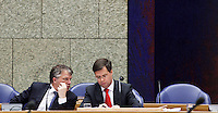 Nederland. Den Haag, 12 november 2009.<br /> De Tweede Kamer, debat over de AOW. Minister-president Balkenende en vice-premier Bos in vak K.<br /> Foto Martijn Beekman