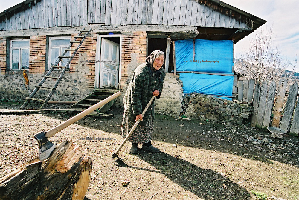 The little and very poor village of Dgvari is located on a land slide endangered mountainious area. a steady slow slide of the ground destroys the houses slowly since 30 years. Since BP contructs the BTC pipeline near obove the village protest have rised.