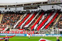 ALKMAAR - 16-04-2016, AZ - PEC Zwolle, AFAS Stadion, 5-1, sfeer actie, supporters.