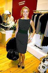 NOELLE RENO at the launch party for the Comptoir des Cotonniers boutique, 235 Westbourne Grove, London W11 on 25th October 2006.<br /><br />NON EXCLUSIVE - WORLD RIGHTS