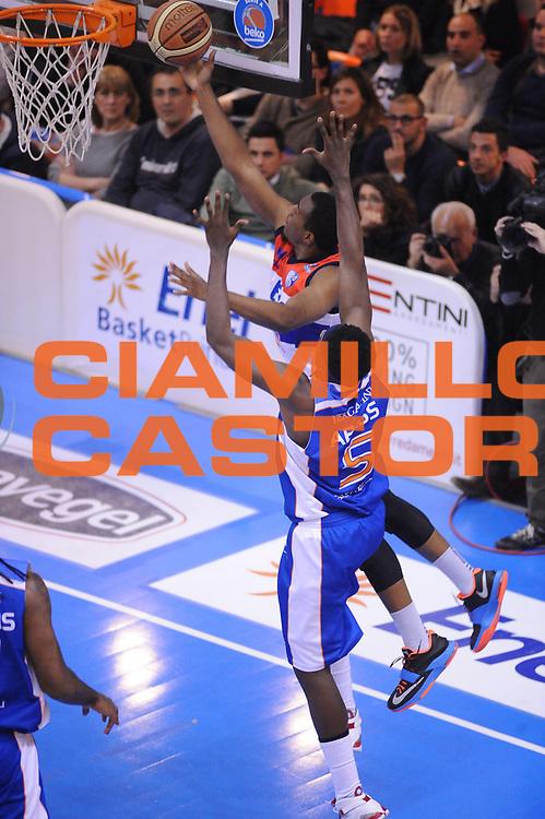 DESCRIZIONE : Brindisi  Lega A 2014-15 Enel Brindisi Vitasnella Cant&ugrave;<br /> GIOCATORE : Turner Elston<br /> CATEGORIA : Tiro Sottomano<br /> SQUADRA : Enel Brindisi<br /> EVENTO : Campionato Lega A 2014-2015<br /> GARA :Enel Brindisi Vitasnella Cant&ugrave;<br /> DATA : 22/03/2015<br /> SPORT : Pallacanestro<br /> AUTORE : Agenzia Ciamillo-Castoria/M.Longo<br /> Galleria : Lega Basket A 2014-2015<br /> Fotonotizia : Brindisi  Lega A 2014-15 Enel Brindisi Vitasnella Cant&ugrave;<br /> Predefinita :
