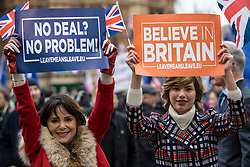 © Licensed to London News Pictures. 15/01/2019. London, UK. Pro-Brexit protesters outside Parliament. MPs will vote on Prime Minister Theresa May's Brexit deal this evening. Photo credit: Rob Pinney/LNP