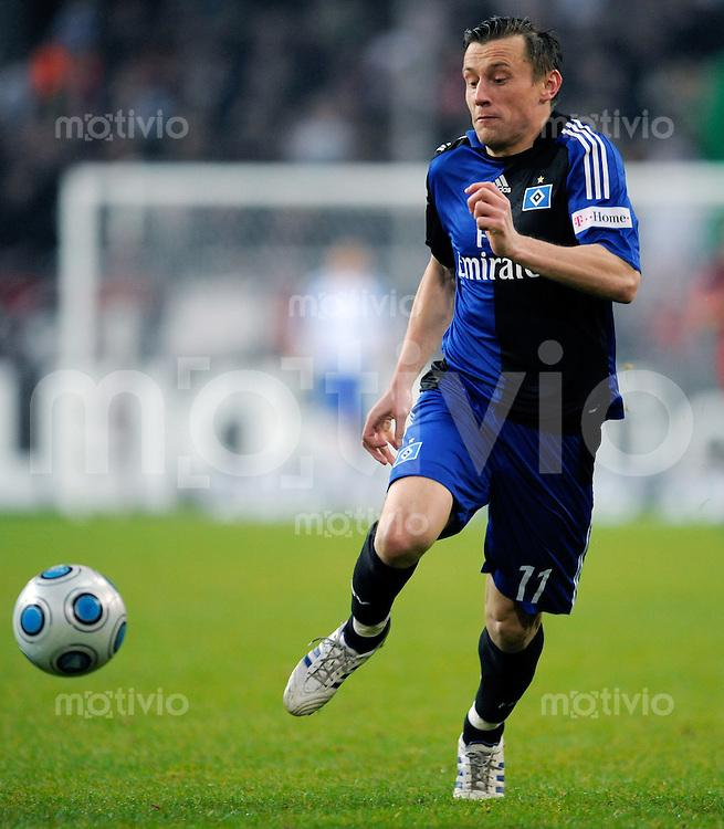Fussball  1. Bundesliga  Saison 2008/2009    21. Spieltag     Bayer Leverkusen - Hamburger SV   22.02.2009   Ivica OLIC (Hamburg), Einzelaktion am Ball.