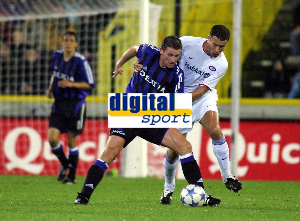 BRUGGE - BRUGES 24/08/2005  <br /> SPORT / FOOTBALL / VOETBAL / CHAMPIONS LEAGUE QUALIFICATION / CLUB BRUGGE - VÅLERENGA  / CLUB BRUGES - VALERENGEN / <br /> GUNTHER VANAUDENAERDE - RONNY JOHNSEN<br />  /Photo: Digitalsport<br /> Norway only