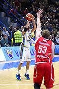 DESCRIZIONE : Cremona Lega A 2015-2016 Vanoli Cremona Giorgio Tesi Group Pistoia<br /> GIOCATORE : Luca Vitali<br /> SQUADRA : Vanoli Cremona<br /> EVENTO : Campionato Lega A 2015-2016<br /> GARA : Vanoli Cremona Giorgio Tesi Group Pistoia<br /> DATA : 23/11/2015<br /> CATEGORIA : Tiro Tre Punti<br /> SPORT : Pallacanestro<br /> AUTORE : Agenzia Ciamillo-Castoria/F.Zovadelli<br /> GALLERIA : Lega Basket A 2015-2016<br /> FOTONOTIZIA : Cremona Campionato Italiano Lega A 2015-16  Vanoli Cremona Giorgio Tesi Group Pistoia<br /> PREDEFINITA : <br /> F Zovadelli/Ciamillo