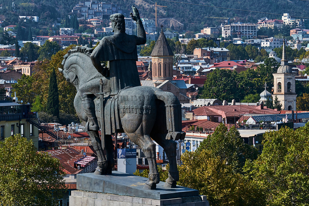 Georgie, Caucase, Tbilissi, vieille ville, statue du roi Vakhtang Gorgasali // Georgia, Caucasus, Tbilisi, old city, King Vakhtang Gorgasali statue