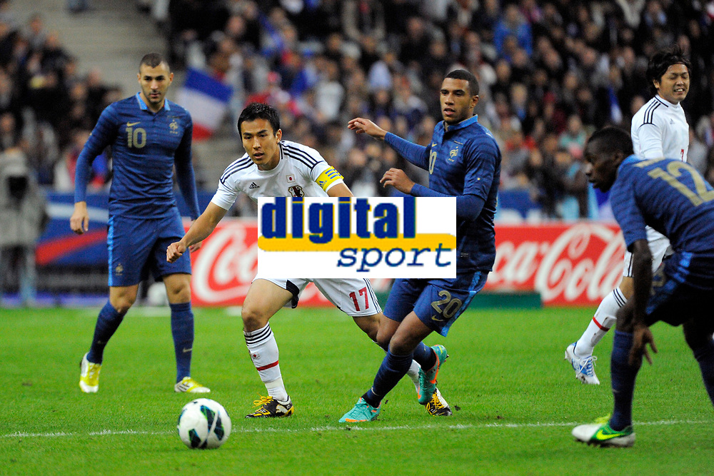 FOOTBALL - FRIENDLY GAME 2012 - FRANCE v JAPAN - STADE DE FRANCE ( SAINT DENIS ) FRANCE - 12/10/2012 - PHOTO JEAN MARIE HERVIO / REGAMEDIA / DPPI - MAKOTO HASEBE (JAP) / ETIENNE CAPOUE (FRA)