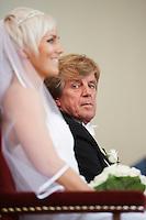 Sigurrós Pétursdóttir og Davíð Stefán Guðmundsson gifta sig. Frá athöfn í Háteigskirkju.