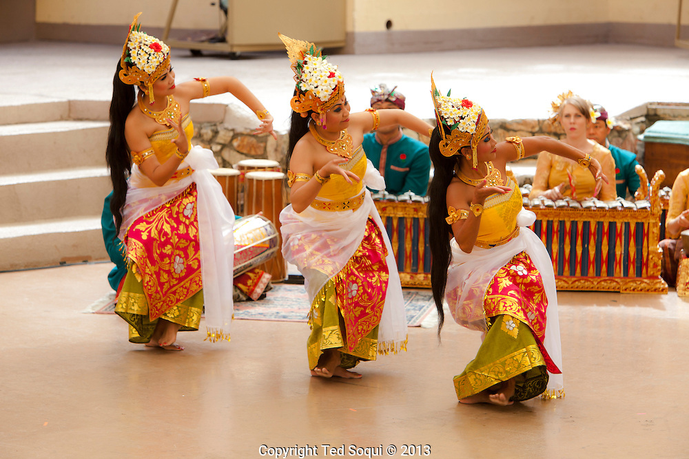 Indonesian Dancing at the John Anson Ford Theatre.