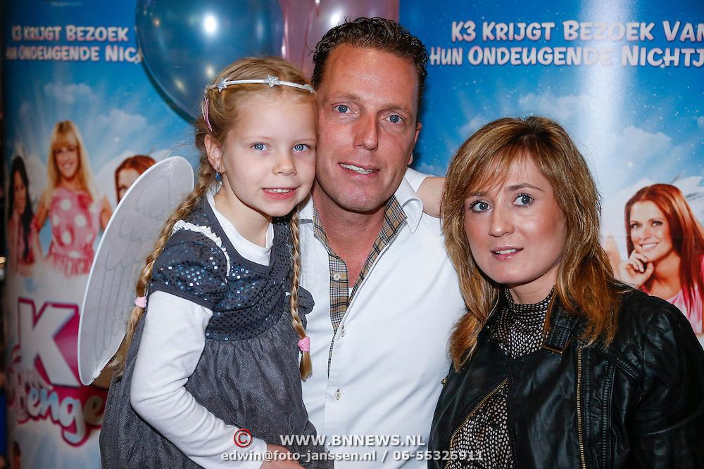 NLD/Amsterdam/20121209 - Premiere K3 Bengeltjes, Rob Geus met dochter Esmee en partner Suzanne Ozek