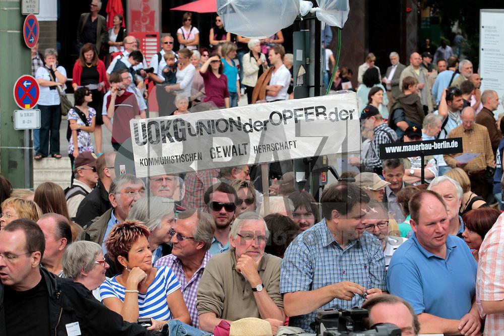BERLIN, ALEMANHA, 13 DE AGOSTO 2011 - 50 ANOS MURO DE BERLIN - Cerimonia de comemoração dos 50 anos da construção do Muro de Berlin na Alemanha. FOTO: VANESSA CARVALHO - NEWS FREE.