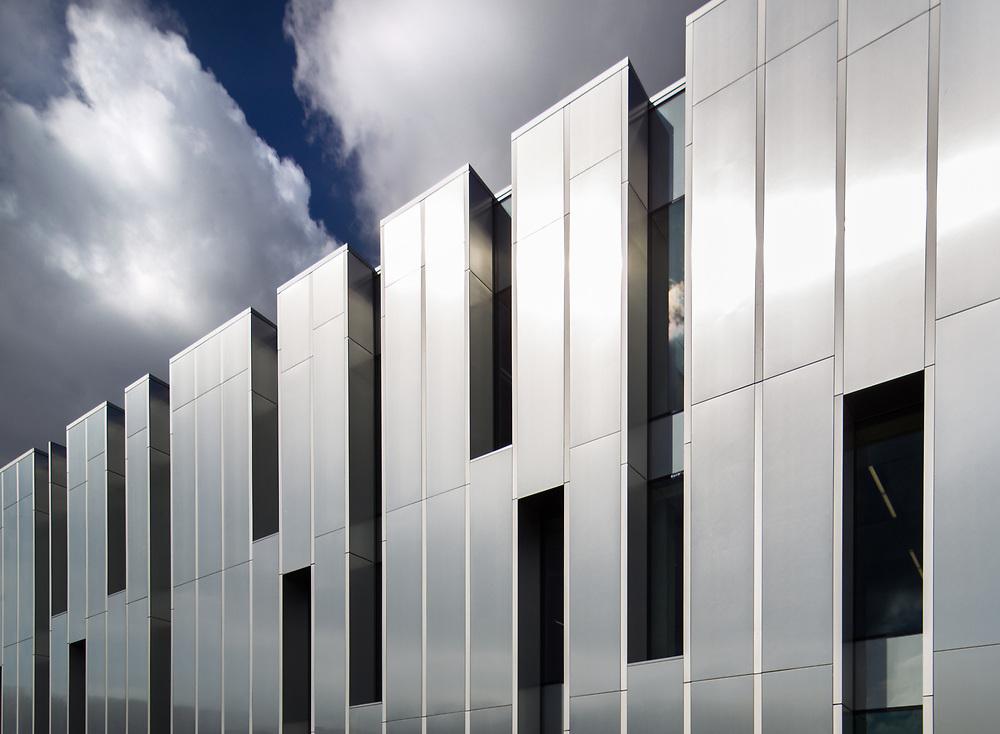 Sky Building 2 - Client Mace