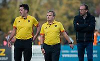 BLOEMENDAAL  -  scheidsrechters Stan van Motman en Alex Been met Jan Piet Nelissen. , competitiewedstrijd junioren  landelijk  Bloemendaal JA1-Nijmegen JA1 (2-2) . COPYRIGHT KOEN SUYK