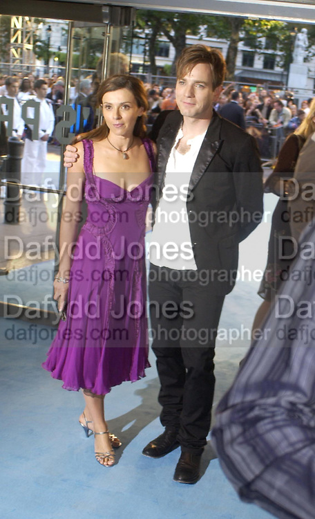 """Ewan  and Eve McGregor. The UK Premiere of """"The Island"""" at the Odeon Leicester Square, London. 7 August 2005. , ONE TIME USE ONLY - DO NOT ARCHIVE  © Copyright Photograph by Dafydd Jones 66 Stockwell Park Rd. London SW9 0DA Tel 020 7733 0108 www.dafjones.com"""