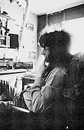 Armand gefotografeerd in zijn woning annex studio, 1991