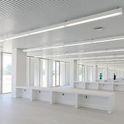 Escuela de Ingenier&iacute;a. Universidad de C&aacute;diz.<br /> Arquitecto: Rafael Otero. Facultad de Ingenier&iacute;a. Universidad de C&aacute;diz.<br /> Arquitecto: Rafael Otero<br /> Fot.: Pablo Cousinou
