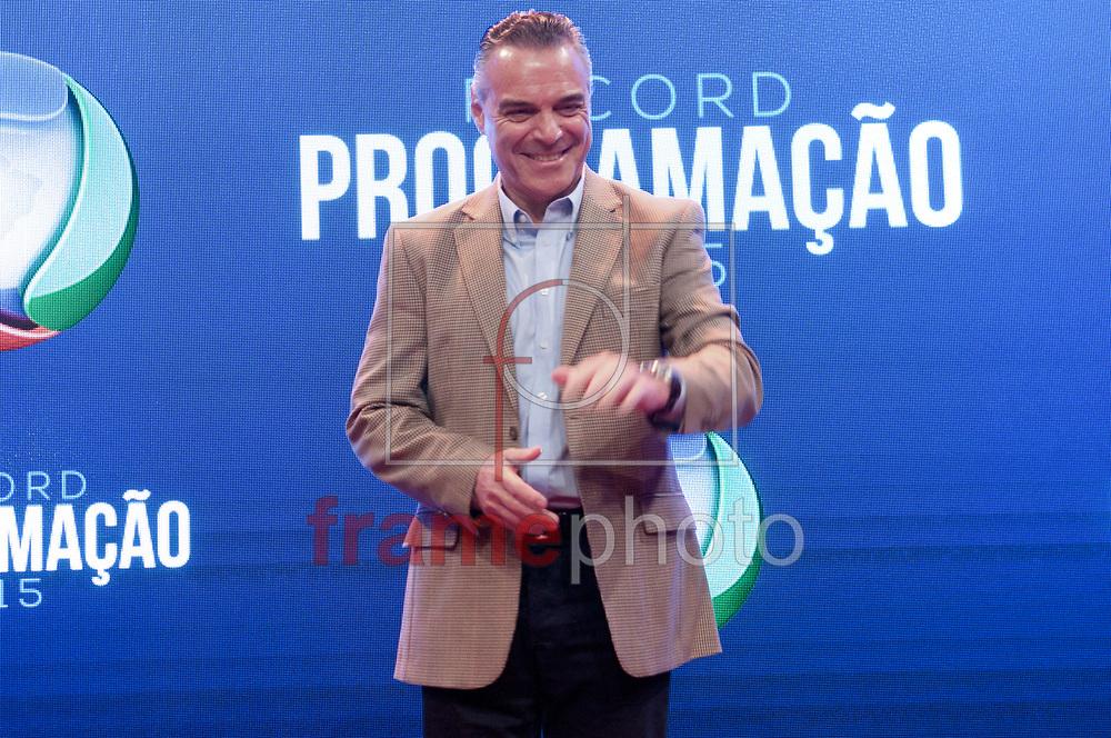 São Paulo (SP) 05/02/2015.  Dr. Antonio Sproesser - Durante coletiva de impresa na Record. RECORD PROGRAMAÇÃO 2015. Barra Funda. Foto: Fábio Guinalz/Frame