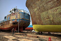 AFTERMATH - Ship breaking and rebuilding (Bangladesh)