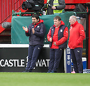 Dundee manager Paul Hartley encourages his team - Motherwell v Dundee in the Ladbrokes Scottish Premiership at Fir Park, Motherwell.Photo: David Young<br /> <br />  - &copy; David Young - www.davidyoungphoto.co.uk - email: davidyoungphoto@gmail.com