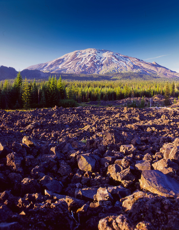 Mt. St. Helens fron the South, Mt. St. Helens National Volcanic Monument, Washington, US