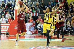 09.12.2017, Audi Dome, Muenchen, GER, EasyCredit BBL, FC Bayern Muenchen Basketball vs MHP Riesen Ludwigsburg, 12. Runde, im Bild Kerron Johnson (Ludwigsburg) versucht den Pass von Anton Gavel (Muenchen) zu verhindern // during the easyCredit Basketball Bundesliga 12th round match between MHP Riesen Ludwigsburg and 12.Spieltag at the Audi Dome in Muenchen, Germany on 2017/12/09. EXPA Pictures &copy; 2017, PhotoCredit: EXPA/ Eibner-Pressefoto/ Marcel Engelbrecht<br /> <br /> *****ATTENTION - OUT of GER*****