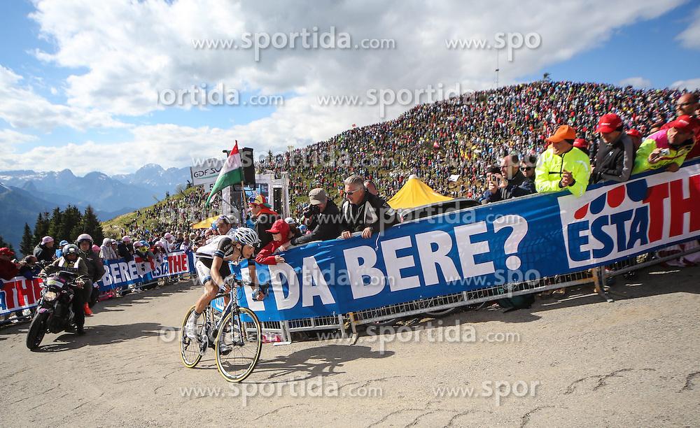 31.05.2014, Monte Zoncolan, ITA, Giro d Italia 2014, 20. Etappe, Mantiago nach Monte Zoncolan, im Bild Georg Preidler, AUT (#176, Team Giant-Shimano) // Georg Preidler, AUT (#176, Team Giant-Shimano) during Giro d' Italia 2014 at Stage 20 from Mantiago to Monte Zoncolan, Italy on 2014/05/31. EXPA Pictures © 2014, PhotoCredit: EXPA/ M. Huber