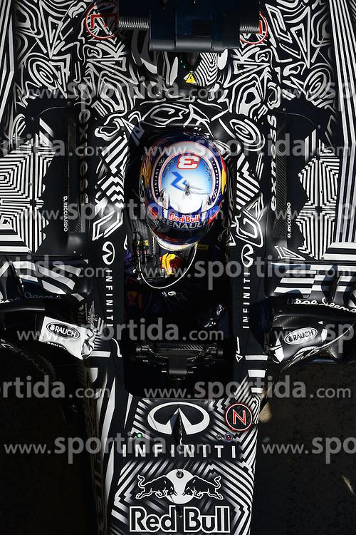 28.02.2015, Circuit de Catalunya, Barcelona, ESP, FIA, Formel 1, Testfahrten, Barcelona, Tag 3, im Bild Daniel Ricciardo (AUS) Red Bull Racing RB11 // during the Formula One Testdrives, day three at the Circuit de Catalunya in Barcelona, Spain on 2015/02/28. EXPA Pictures &copy; 2015, PhotoCredit: EXPA/ Sutton Images/ Patrik Lundin Images<br /> <br /> *****ATTENTION - for AUT, SLO, CRO, SRB, BIH, MAZ only*****