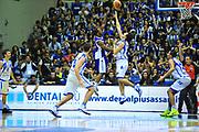 DESCRIZIONE : Sassari Lega A 2012-13 Dinamo Sassari Lenovo Cant&ugrave; Quarti di finale Play Off gara 2<br /> GIOCATORE : Jeff Brooks<br /> CATEGORIA : Tiro<br /> SQUADRA : Lenovo Cant&ugrave;<br /> EVENTO : Campionato Lega A 2012-2013 Quarti di finale Play Off gara 2<br /> GARA : Dinamo Sassari Lenovo Cant&ugrave; Quarti di finale Play Off gara 2<br /> DATA : 11/05/2013<br /> SPORT : Pallacanestro <br /> AUTORE : Agenzia Ciamillo-Castoria/M.Turrini<br /> Galleria : Lega Basket A 2012-2013  <br /> Fotonotizia : Sassari Lega A 2012-13 Dinamo Sassari Lenovo Cant&ugrave; Play Off Gara 2<br /> Predefinita :