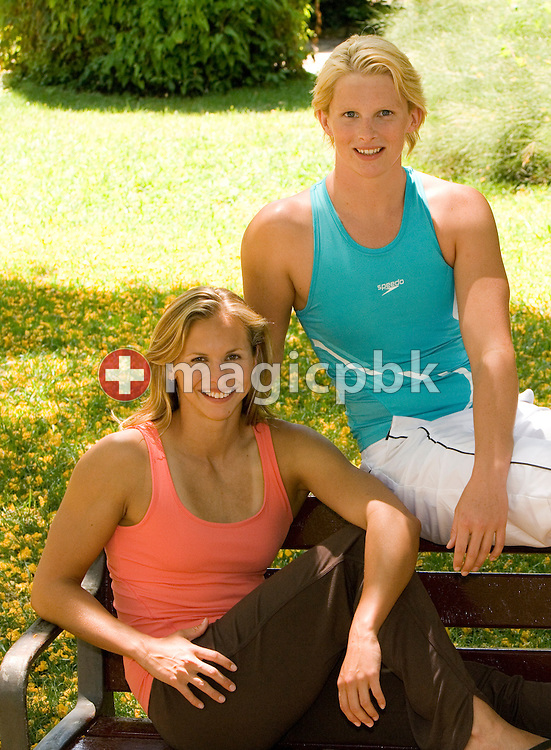 Lisbeth (Libby) LENTON (L) and Leisel JONES (R) of Australia pose in a park during a photo shooting for Speedo beachwear in Barcelona, Spain, Monday, June 12, 2006. (Photo by Patrick B. Kraemer / MAGICPBK)