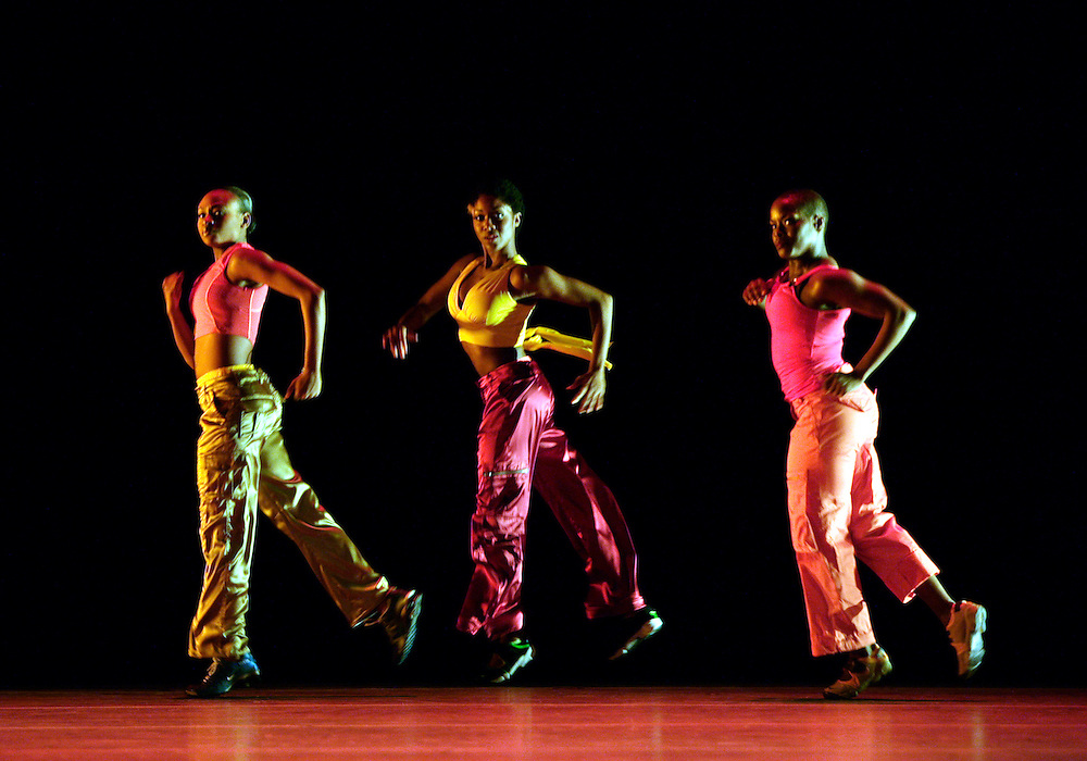 Alvin Ailey American Dance Theater.Love Stories.November 19, 2004.Credit Photo ©Paul Kolnik.Cast A.